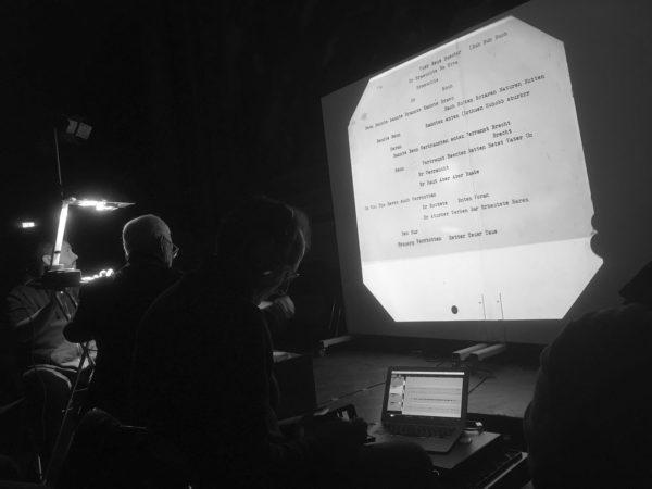 Foto Performance Hans Rudolf Zeller: »RAUCHEN VERRBOTTEN - Version für Ensemble 20181208«