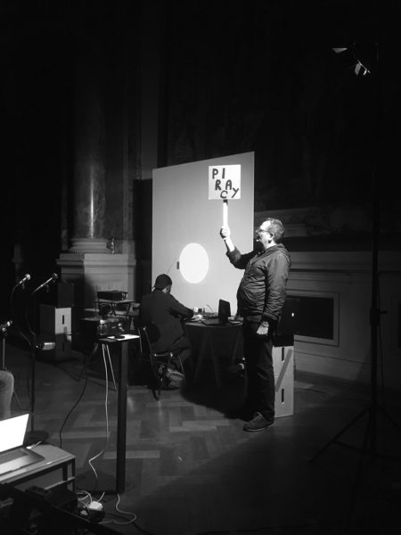 Foto Performance Hemant Sreekumar, Ralf Homann: »Experimental Radio (briefly expanded)«